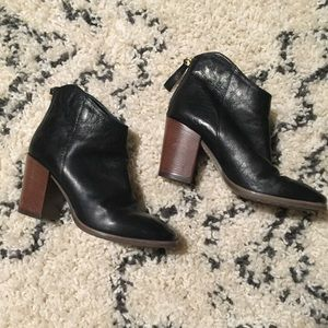 Clark's Leather Ankle Boot